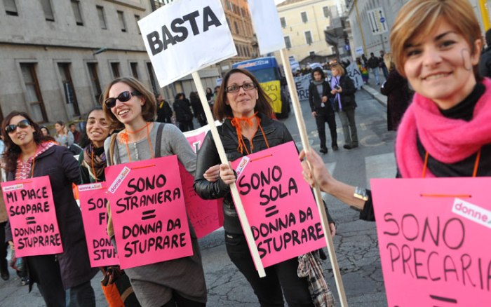 donne-in-piazza
