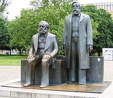 220px-Marx_Engels_Denkmal_Berlin