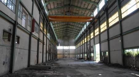 interno-di-una-fabbrica-dismessa-della-valbasento-24846.660x368
