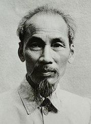 221px-Ho_Chi_Minh_1946